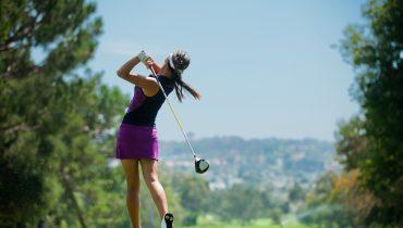 Qual'è l'abbigliamento giusto per una partita a golf?